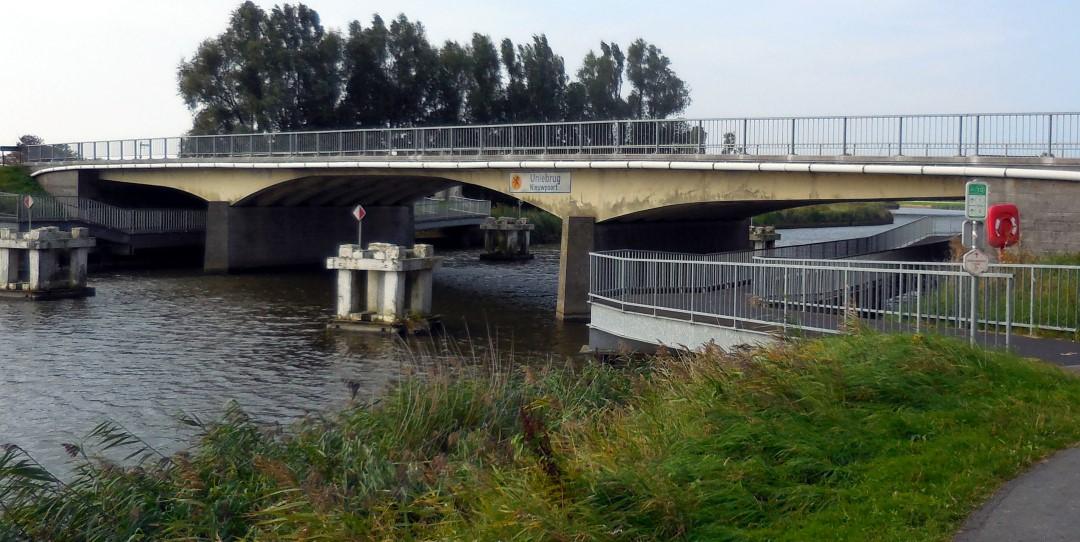 &copy Copyright - vlaanderen-fietsland.be - Eddy Theys (Auteur)