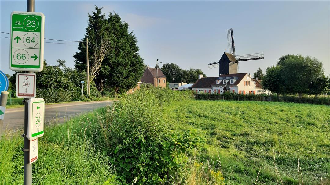 &copy Copyright - vlaanderen-fietsland.be - Els Cools (Auteur)
